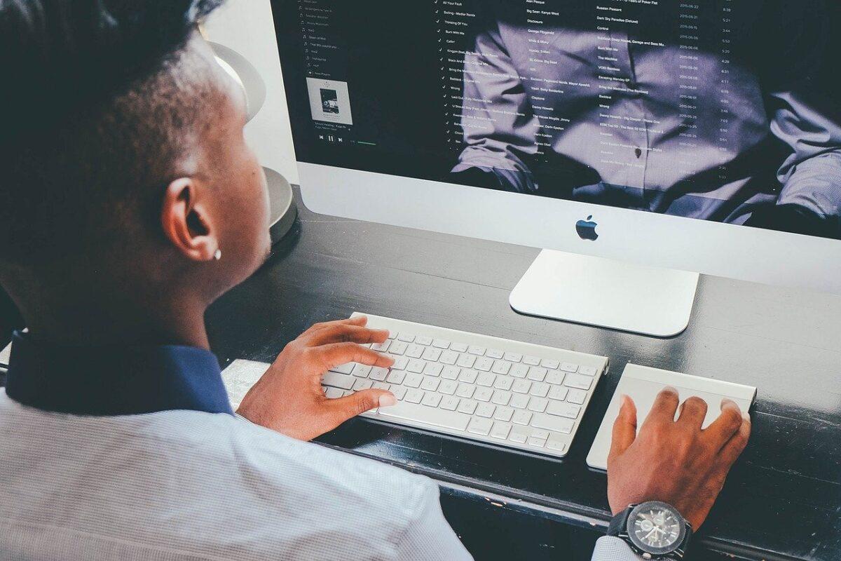 Jak napisać artykuł ekspercki? 4 sprawdzone porady