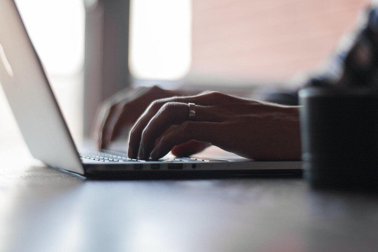 Dowiedzmy się, jak kształtują się trendy w copywritingu na rok 2020/2021