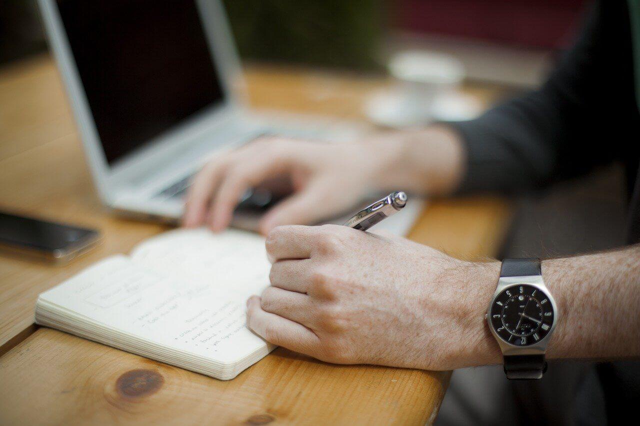 Dowiedz się, jak powinna wyglądać umowa w copywritingu!